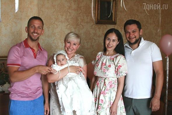 Илана Юрьева с семьей
