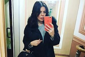 Анастасия Стоцкая привыкает к новому цвету волос