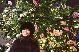 Елена Лядова нашла оригинально украшенную ёлку