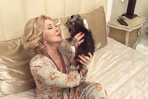 ВИДЕО: Любовь Успенская без ума от своего нового «лучшего друга»