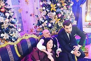 Лариса Гузеева отдыхает лежа на Дмитрие Нагиеве