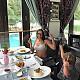Завтрак Эвелины Бледанс и Семы