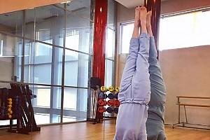 Алика Смехова демонстрирует великолепную спортивную форму