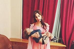 Света Светикова: тяжелые будни работающей мамы