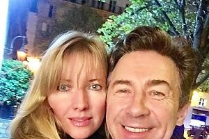 Валерий Сюткин отправился с женой в романтическую поездку в Париж