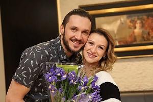 Счастливые родители: Максим Траньков и Татьяна Волосожар