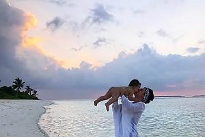 Мама с ангелом — Жасмин с сыном на Мальдивах