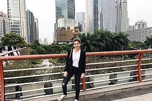Галина Юдашкина улетела в Гонконг
