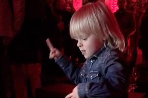 ВИДЕО: Саша Плющенко зажег на светской вечеринке