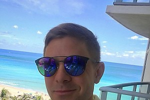 Митя Фомин сбежал на пару дней в Майями