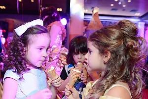 Подрастающее поколение: дети Киркорова подружились с дочкой Жасмин