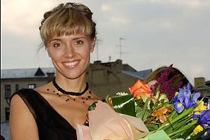 Ксения Алферова стала ведущей марафона #ТанцуйДобро