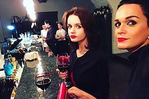Уже можно: Слава угощает 18-летнюю дочку красным вином