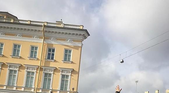 Анна Семенович дотянулась рукой до неба