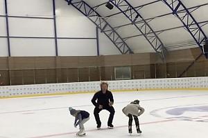 ВИДЕО: Плющенко с сыном на люди — пошла присядка!