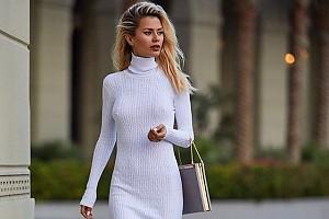 Виктория Боня показала точеную фигуру в новом платье