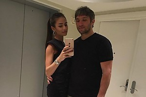 Романтичное фото Александра Овечкина с красавицей женой