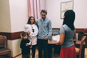 Айза Анохина расписалась со своим супругом во второй раз