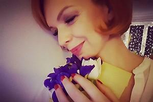 Алиса Гребенщикова и ее весенний букет цветов в феврале