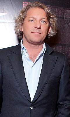 Александр Олейников