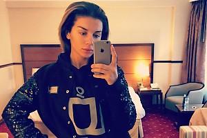 Анна Седокова показала фото без макияжа